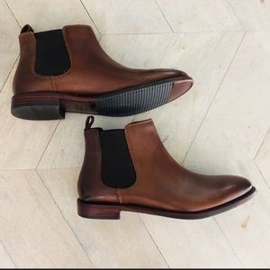 Johnston& Murphy brown leather Chelsea boots